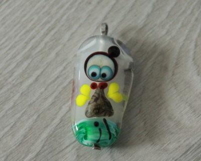 Pendentif perle avec dessin, une pièce unique.