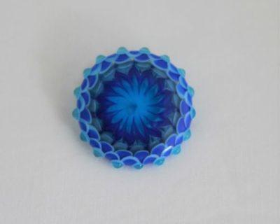 Broche bleue en verre de Murano
