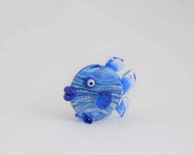 Figurine poisson bleu marbré en verre