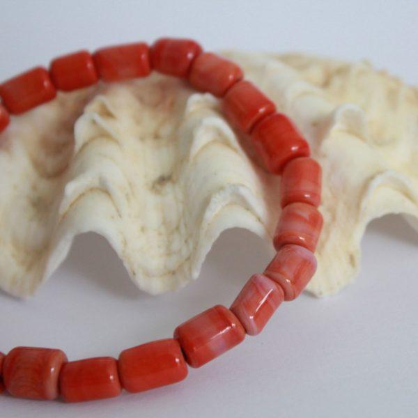 Bracelet rouge corail
